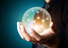 在水晶球的社会网络 库存图片