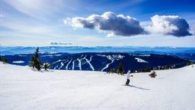 在水晶碗的春天滑雪在太阳峰顶的世界顶部 库存图片