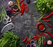 在黑暗的新鲜的未加工的蔬菜 库存图片