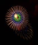 在黑暗的背景关闭隔绝的五颜六色的烟花与文本的,马耳他烟花节日, 4地方7月, Independenc 免版税库存照片