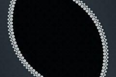 在黑暗的背景样式的首饰卷曲的金刚石 3d翻译 库存图片