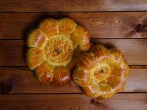 在黑暗的背景的乌兹别克人全国面包 免版税库存图片