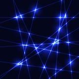在黑暗的背景的焕发霓虹蓝色激光 免版税库存照片