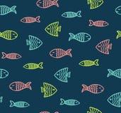 在黑暗的背景的滑稽的鱼概述样式 皇族释放例证