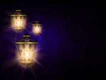 在黑暗的eid Al fitr背景的发光的灯笼 皇族释放例证