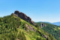 在6月下午的稀奇的岩石 库存图片