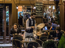 在11月毁灭的atentats前的巴黎街道 免版税库存图片