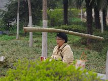 中国的老人奇怪健身 库存图片