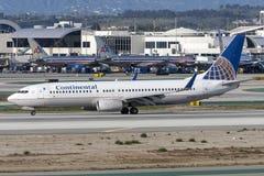 在洛杉矶国际机场的美国大陆航空波音737-800飞机 库存照片