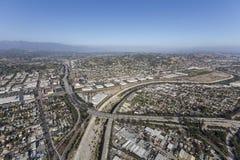 在洛杉矶河的格伦代尔高速公路 库存照片