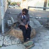 在洛杉矶街道上的睡觉的行家  免版税库存照片