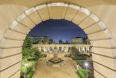 在洛杉矶,加利福尼亚附近的美丽的帕萨迪纳市政厅 免版税图库摄影