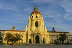在洛杉矶,加利福尼亚附近的美丽的帕萨迪纳市政厅 库存照片
