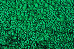 在绿松石木背景的水下落 库存图片