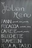 在黑板的意大利酒吧菜单 免版税库存图片