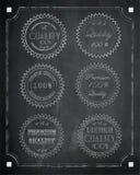 在黑板背景,传染媒介, illustra的优质质量标签 免版税库存图片