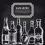在黑板酒吧菜单背景的瓶 库存例证
