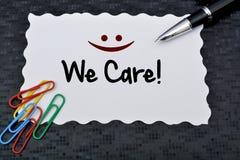 在黑板顾客友好的支持的顾客服务概念 库存图片