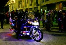 在巴林国庆节的一辆美丽的有启发性摩托车2013年 免版税库存照片