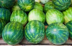 在水果摊的西瓜 免版税库存图片