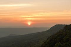 在黑森林薄雾的日出 库存照片