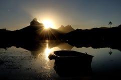 在绢毛猴海湾的朝阳 免版税图库摄影