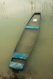蓝色小船 免版税库存图片