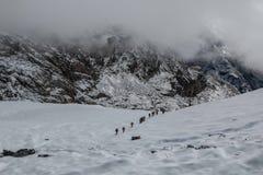 在5,369海拔米的雀儿山通行证 免版税库存图片