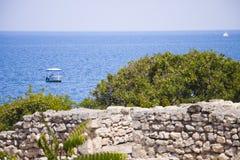 在黑海的小船 免版税库存照片