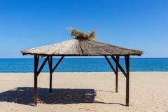 在黑海的岸的帐篷 免版税库存照片