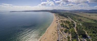 在黑海的美丽的海滩从上面 库存图片