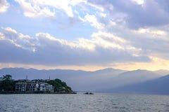 在洱海,大理,云南上的日落 图库摄影