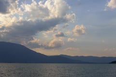 在洱海,大理,云南上的日落 免版税库存照片