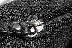 在黑混合纤维的金属拉链 库存图片