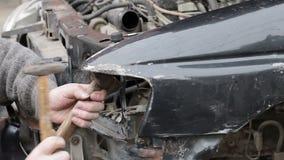 在崩溃以后的汽车修理 影视素材