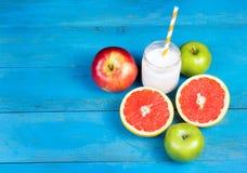 在锻炼以后的容易和健康快餐 免版税库存图片