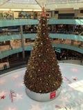 在购物中心的圣诞节 免版税库存照片