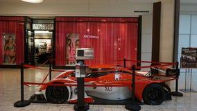 在购物中心的汽车展览在短的小山在新泽西 免版税库存照片
