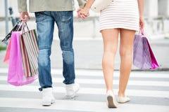 在购物的腿 免版税库存图片