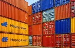 在货物集中处,胡志明市的容器 免版税库存照片