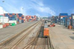 在货物终端的货车 免版税图库摄影