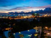 在巴特沃思,槟榔岛,马来西亚的都市风景日落 免版税库存照片