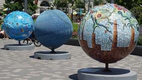 在巴特里公园的凉快的地球陈列在曼哈顿,纽约 库存图片