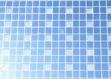 在玻璃墙的Windows 库存图片