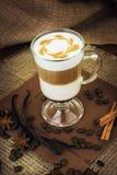 在玻璃杯子的咖啡拿铁 库存图片