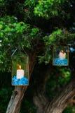 在玻璃灯的蜡烛 婚礼装饰 婚姻在Monteneg 库存图片