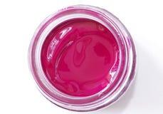 在玻璃瓶子的洋红色颜色树胶水彩画颜料 图库摄影