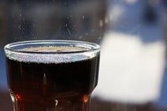在玻璃的可乐 库存图片