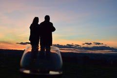 在玻璃的夫妇 库存照片