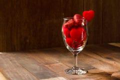 在玻璃的情人节牡鹿 库存图片
